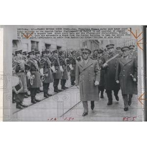 1966 Press Photo Gen. Francisco Franco walks past honor guard to Spanish Cortes