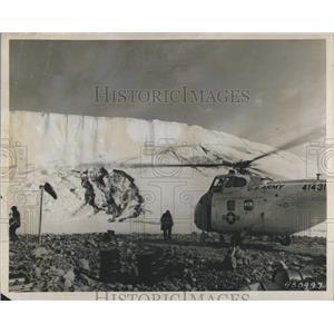 1956 Press Photo Scientific Army Personnel Study Arctic Conditions In Greenland