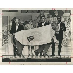 1965 Press Photo Tim Conway, Martha Ray, Danny Thomas & Bill Cosby