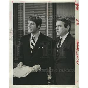 1968 Press Photo Stephen Young Kevin McCarthy Actors JUDD FOR THE DEFENSE