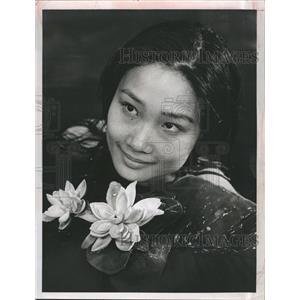 1967 Press Photo Tina Chen Portrays Vietnamese Villager