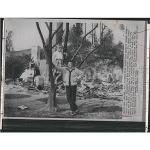 1961 Press Photo Burt Lancaster Bel-Air Mansion Burnt by Brush Fire