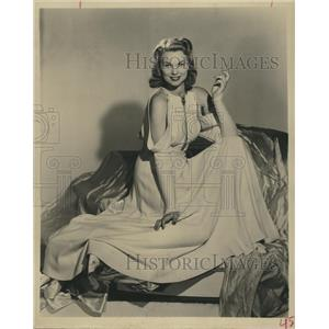 1956 Press Photo swimmer and actress Bunny Waters - RSH79035