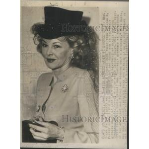 1946 Press Photo Actress Mrs. Wilma Pierce - RSC59561