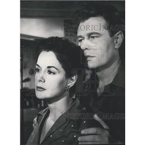 1954 Press Photo Actors Delia Garces and Volker von Collande. - KSK06137
