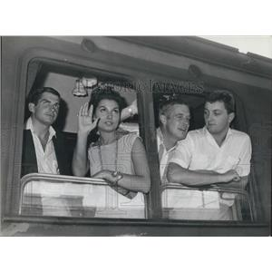 Press Photo Rossana Schiaffino,Vincent Ewdards ,George Hamilton, Jim Mitchum