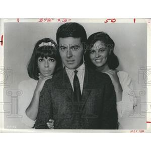 1970 Press Photo Actress Nancy Sinatra,Claudine Marin and James Darren.
