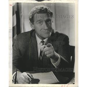 """1960 Press Photo James Whitmore in """"The Law and Mr. Jones"""""""