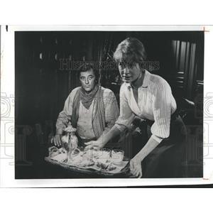 1974 Press Photo Robert Mitchum Lois Nettleton Television Actor - RSH98475