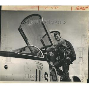 1970 Press Photo Captain White Pilot Climbing Aboard Training Craft