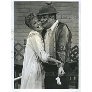 1968 Press Photo Jonathan Winters And Abby Dalton On The Jonathan Winters Show