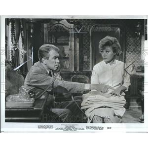 1965 Press Photo Glynis Johns Actress James Stevart