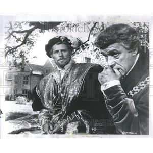 1967 Press Photo Robert Shaw Paul Scofield Custer West - RRR91573