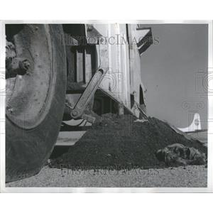 1960 Press Photo Jet Engine Debris Collection Machine
