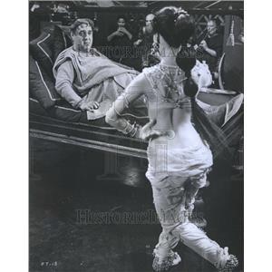 1967 Press Photo Luscious slave Girl Tintinabul United - RRR98565