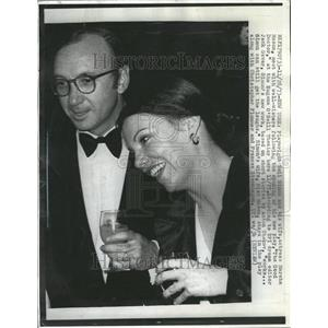 1976 Press Photo Playwright Neil Simon Marsha Mason