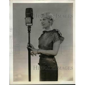 1934 Press Photo An unidentified actress