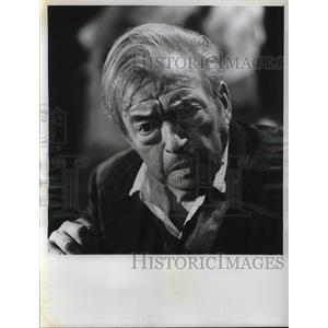 "1954 Press Photo English Actor Claude Rains as Judge in CBS-TV ""Rawhide"""