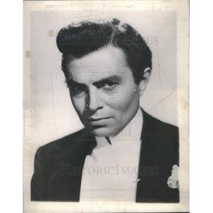 1945 Press Photo Fanny By Gaslight Film Actor Mason Portrait - RSC81465
