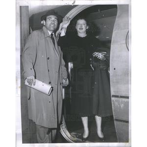 1955 Press Photo Actress Bette Davis Husband Gary Merrill Board Plane New York