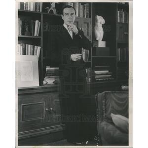 1952 Press Photo English Actor Dennis Price - RSC63177