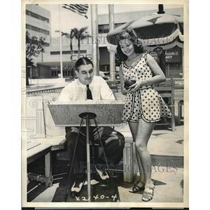 1939 Press Photo Actress Wanda McKay, George McCall, Hollywood Bowling