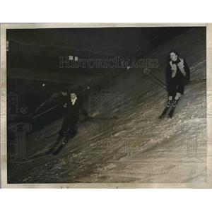 1936 Press Photo Skiers at Snow Slide, Madison Square Garden, New York
