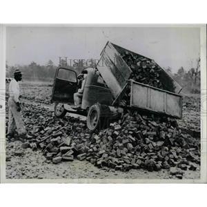 1941 Press Photo Bricks From Bomb Torn London - nea67903