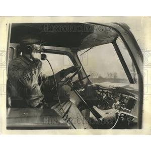 1946 Press Photo Willett Transportation Co Radiophone