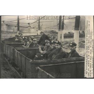 1946 Press Photo Back Pittsburgh Coal Strike Miners