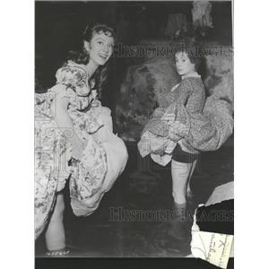 """1955 Press Photo MGM """"The Glass Slipper"""" - RRT50961"""