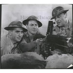 1942 Press Photo Macdonald Carey Robert Preston Actor - RRT71341