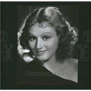 1937 Press Photo Della Lind Actress Metro Goldwyn Mayer - RRT60925