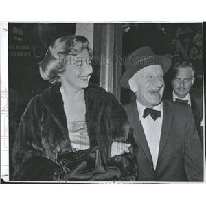 1959 Press Photo Actor Jimmy Durante And Margie Little - RRT72391