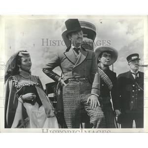 1957 Press Photo Shirley Maclaine and David Niven - RRT74063
