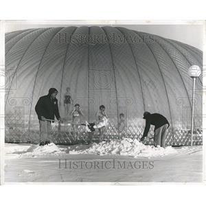 1962 Press Photo Plastic Bubble United Airlines Pool - RRT23381