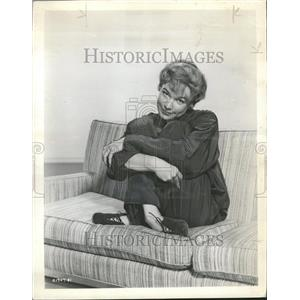 1959 Press Photo Shirley MacLaine Actress - RRT05605