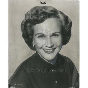1952 Press Photo Actress Kim Hunter Closeup Smiling - RRT05285