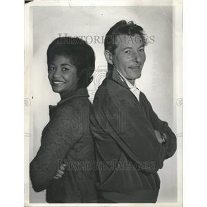1965 Press Photo Entertainers Nancy Wilson & Danny Kaye - RRT00597