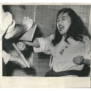 1961 Press Photo Linda Cabacungan Karate Student Boards - RRT24963