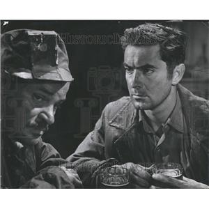 1946 Press Photo Tyrone Edmund Power Actor Razon's Edge - RRT27917