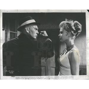 1960 Press Photo Brynner Gaynor Surprise Package Movie