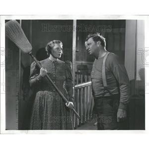 1940 Press Photo Marjorie Rambeau Actress Wallace Beery - RRT25149