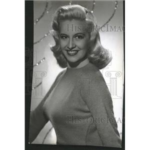 1947 Press Photo Actress Marilyn Maxwell - RRT70531