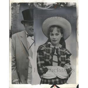 1959 Press Photo Leslie Caron American Actress Dancer - RRT87137