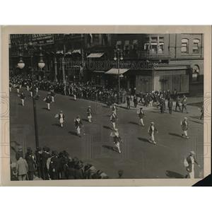 1921 Press Photo Girl Athletes Of Olympic Games During Parade In New York