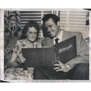 1952 Press Photo Rex Reason Actor Grandmother - RRS11913