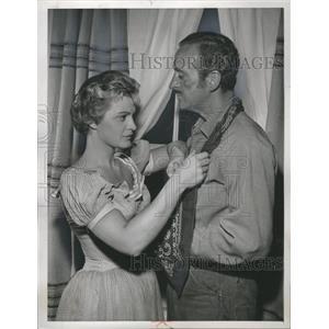 1958 Press Photo David Niven Actor Novelist - RRS34897