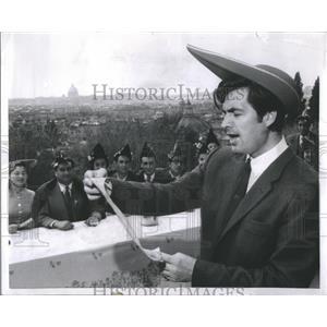 1956 Press Photo Actor Fess Parker - RRS12533