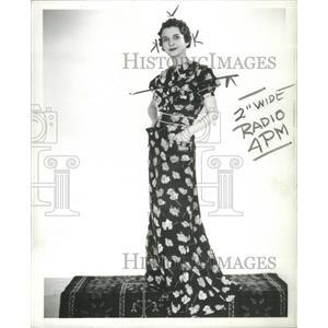1936 Press Photo Loretta Clemens Musical Actress - RRS74085